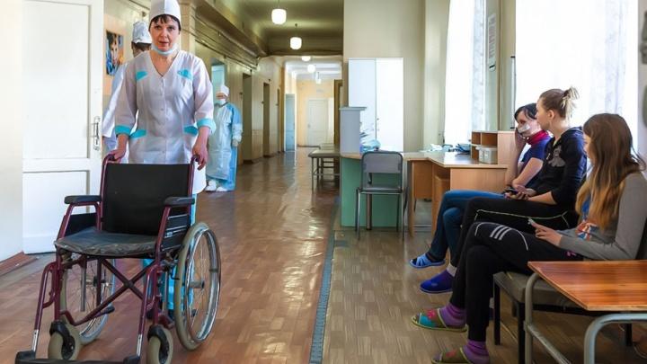 Кричала от боли и просила прощения: из окна пятого этажа дома в Челябинске выпала школьница