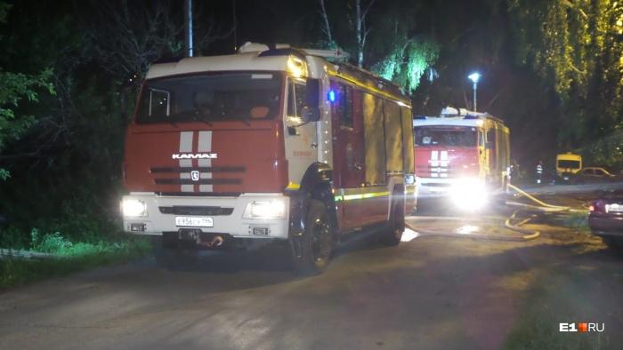 Женщину и троих детей увезли в больницы