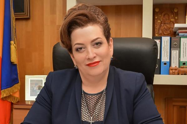 Быковская пока остается на должности министра здравоохранения региона