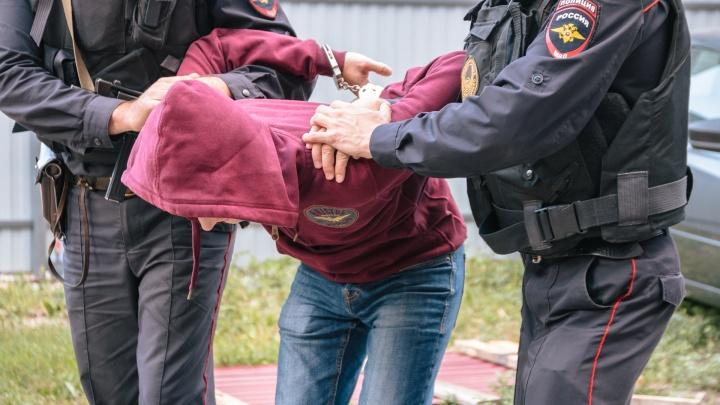 В Самаре поймали разбойника, который украл из инкассаторской машины сумку с 1,9 миллиона рублей