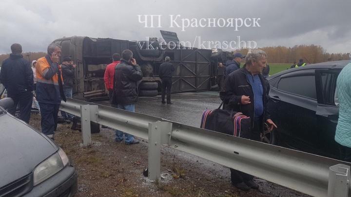 Очевидец спас девочку и вывез её с места аварии автобуса под Красноярском