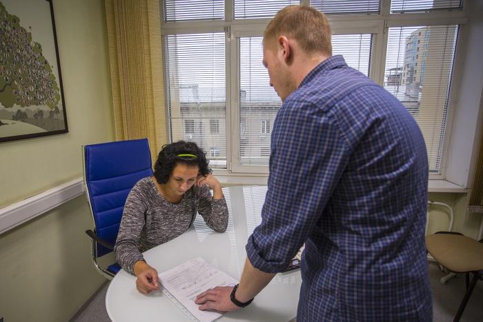 Каждого шестого новосибирца спрашивали о знаке зодиака при приёме на работу