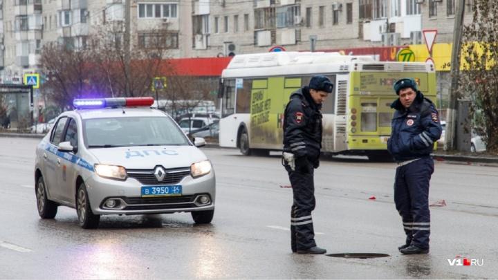 В Волгограде обнаружили 2200 открытых люков