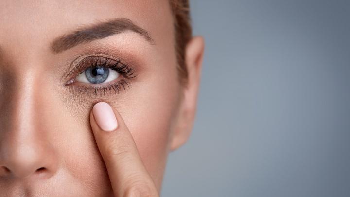 Известная сеть оптики пригласила жителей Екатеринбурга за бесплатными контактными линзами