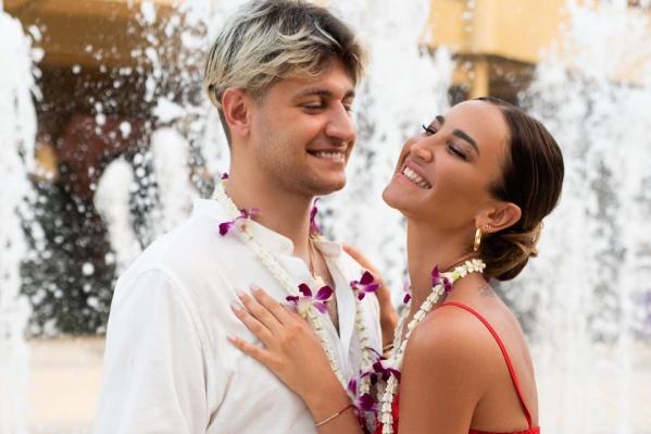 О своих отношениях пара объявила в декабре прошлого года