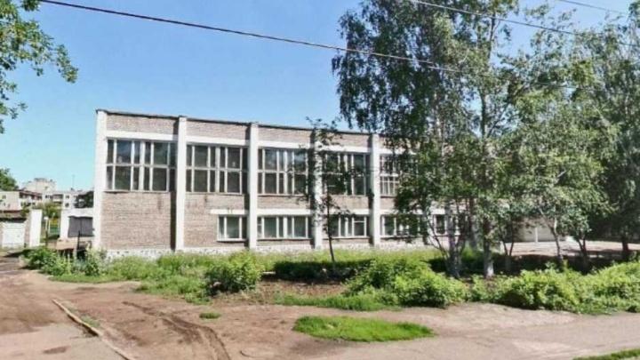 Шестиклассницу попросили уйти в другую школу: в Уфе лицей проверит прокуратура