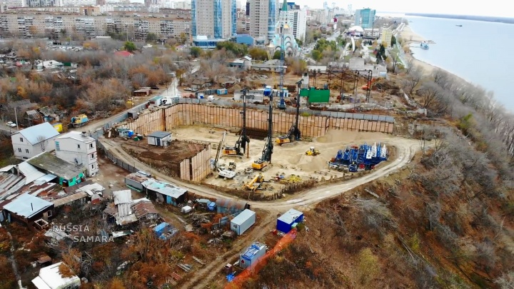 Готовят фундамент: в Самаре за храмом Софии начали строить высотку