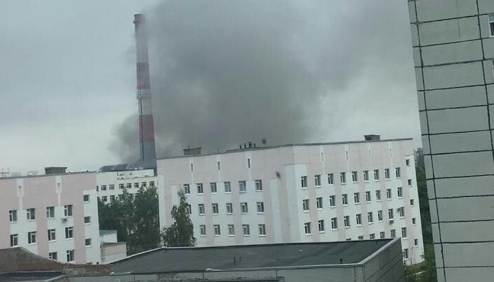 Жителей Уфы напугал черный дым в районе «Конди»