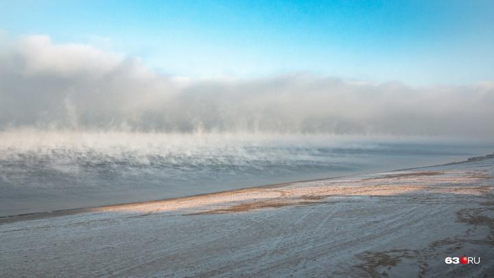 Волга исчезла из виду: публикуем подборку потрясающих фото ноябрьской реки
