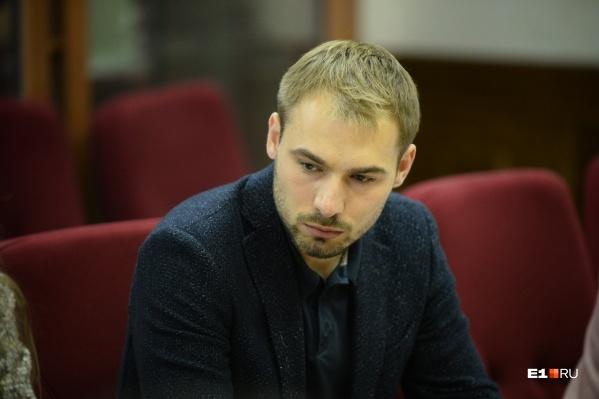 Антон Шипулин забыл про свои миллионы, но это не стало поводом для снятия его с выборов