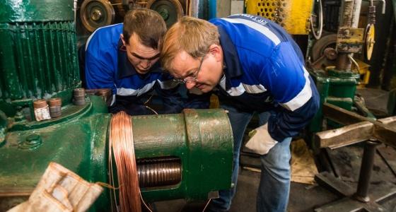 Производственный репортаж: изучаем цеха, где делают проводку для квартир и Lada Vesta