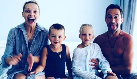 «Крутая семейка!» Екатерина Вилкова показала счастливые семейные фото