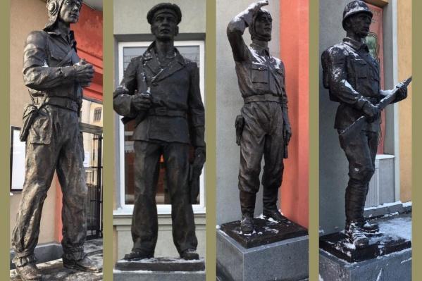 Композиция состоит из фигурпехотинца, лётчика, моряка и танкиста