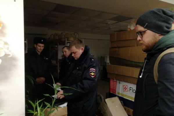 Полиция с трудом нашла понятых