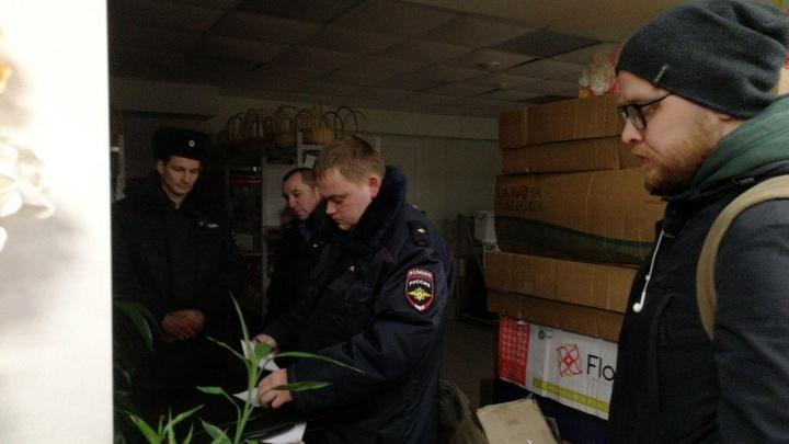 «Это произвол»: в Архангельске полиция изъяла партию листовок с информацией об антимусорной акции