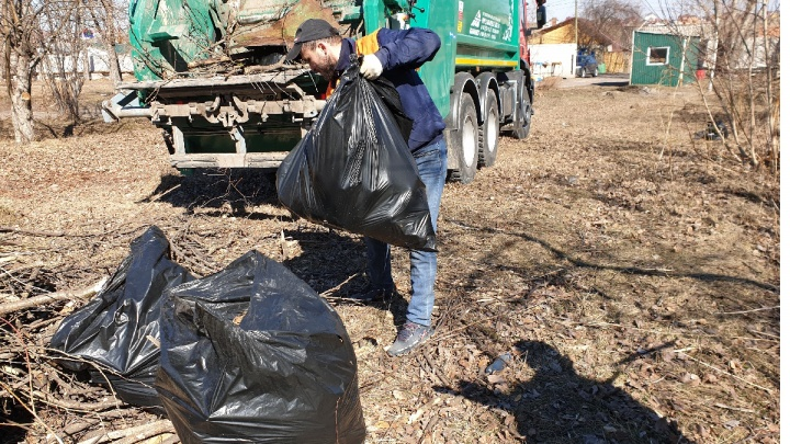 Красноярск превысил норму: после субботника мусор из города вывозили тоннами