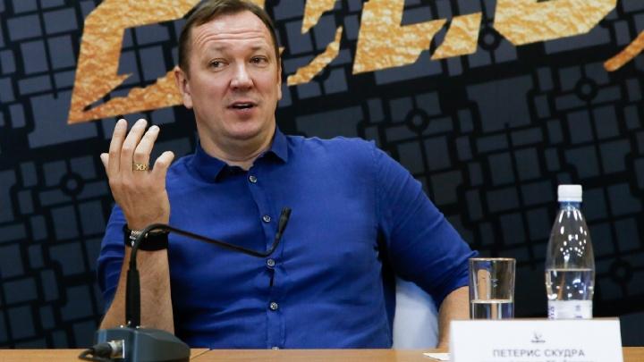 «Были вопросы по самоотдаче»: главный тренер «Трактора» рассказал, как отбирал игроков перед сезоном