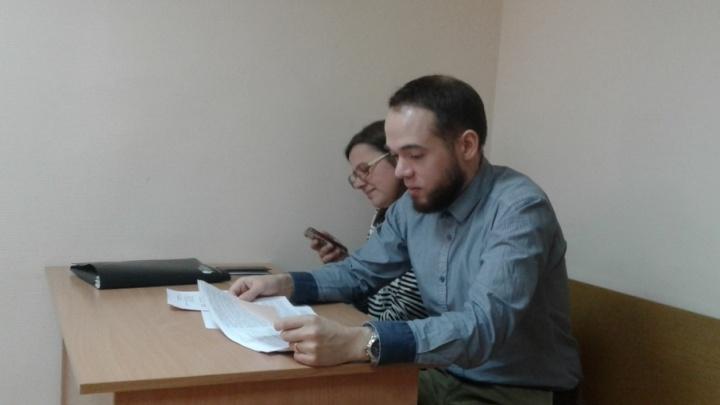 «Очень неожиданно!»: суд назначил штраф сторонникам Навального за расклеивание листовок