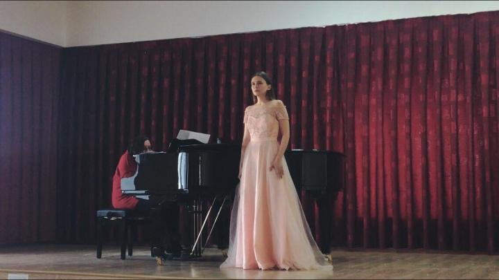 Её инструменты — рояль и голос: София Талалаева рассказала, как преодолеть страх перед сценой