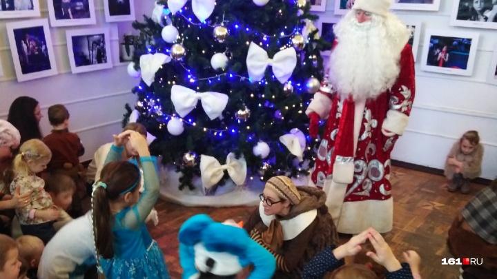 Чаепитие с мышкой и новогодний хоровод: где в Ростове найти Деда Мороза и получить от него подарок