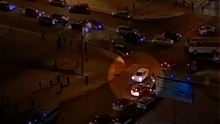 Возле школы в «Парковом» автомобилистка сбила ребёнка. Момент ДТП попал на видео