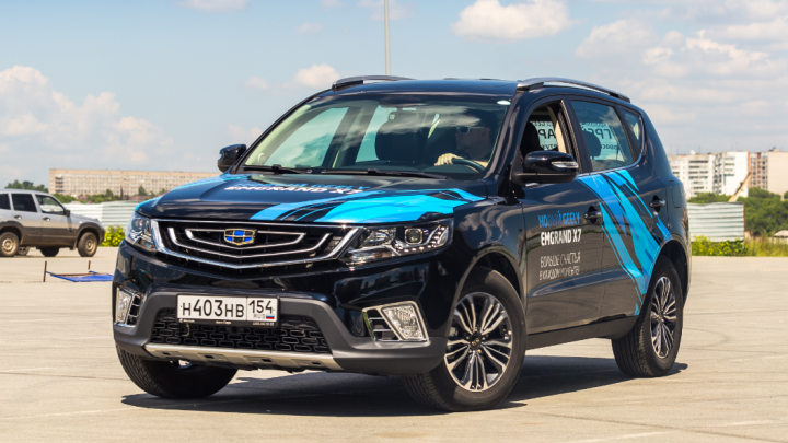 «А это машина, да?»: китайский джип привлек внимание новосибирцев — может ли он заменить RAV4 и CX-5