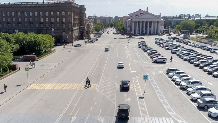 «Просто неудобно»: в Волгограде исправили скандальную разметку на площади Павших Борцов