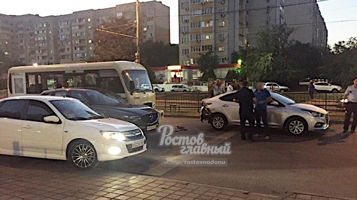 Тройное ДТП с участием маршрутки произошло на Военведе