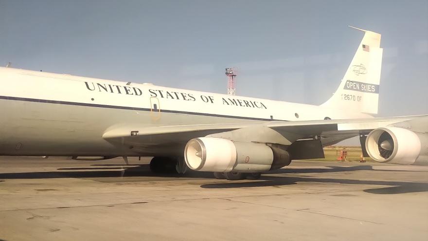 В Толмачёво приземлился самолёт с американскими военными