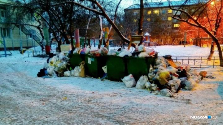 Муниципальные машины отправляют помогать операторам по вывозу мусора