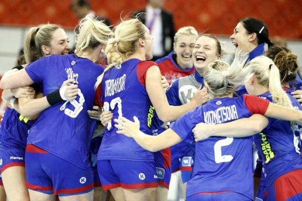 К финалу игры россиянки смогли оторваться от соперниц на пять мячей