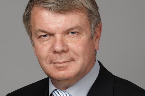 Александр Трушакин был зарегистрирован в качестве кандидата в июле, но уже в середине августа его регистрацию отменили
