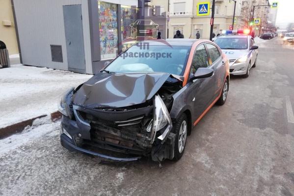 Повреждения арендованного авто после аварии