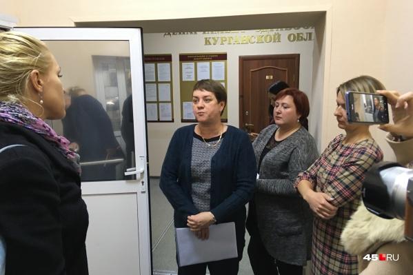 Уволенные работники сегодня не смогли встретиться ни с руководством диспансера, ни с директором департамента здравоохранения