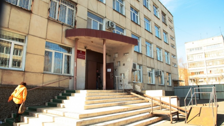 Челябинский завод обязали заплатить 650 тысяч жене попавшего под состав рабочего