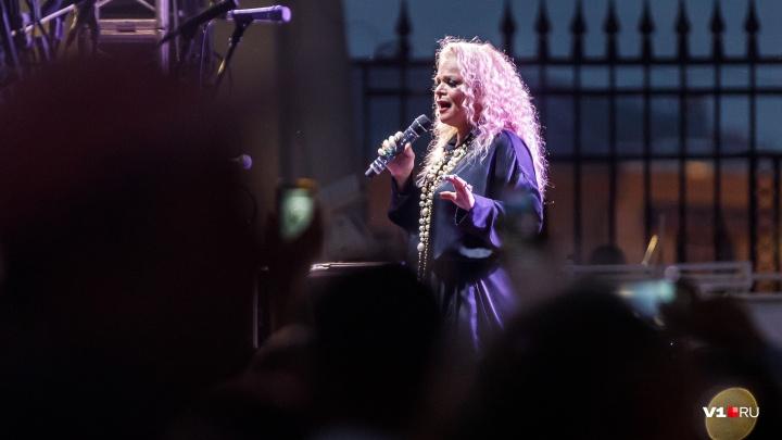 В Волжском концерт Ларисы Долиной посетили 14 тысяч человек