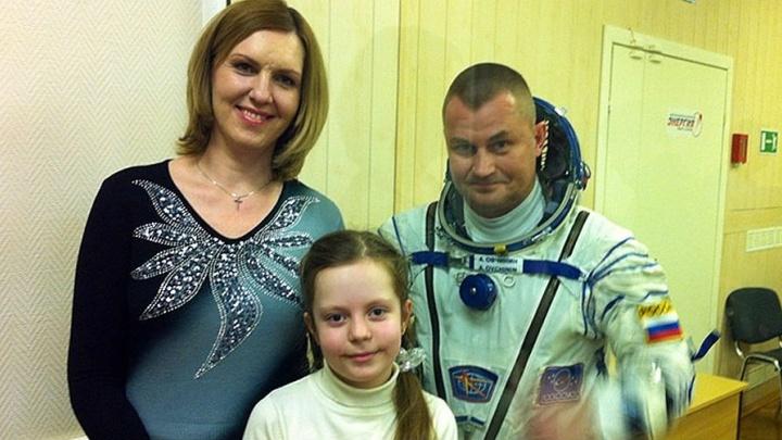 «Перед полётом проплакала три дня»: жена космонавта Алексея Овчинина — о любви между небом и Землёй