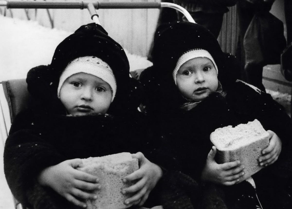 Близнецы. 1980-е годы. Фото С. Фоминых (МИЕ)