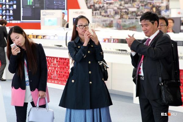 Маски из Екатеринбурга поедут в китайский Гуаньчжоу