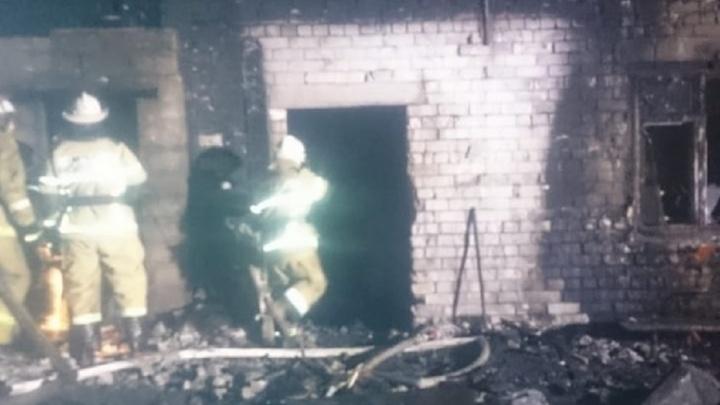 Огонь заметили соседи: начата проверка по факту гибели двух человек при пожаре