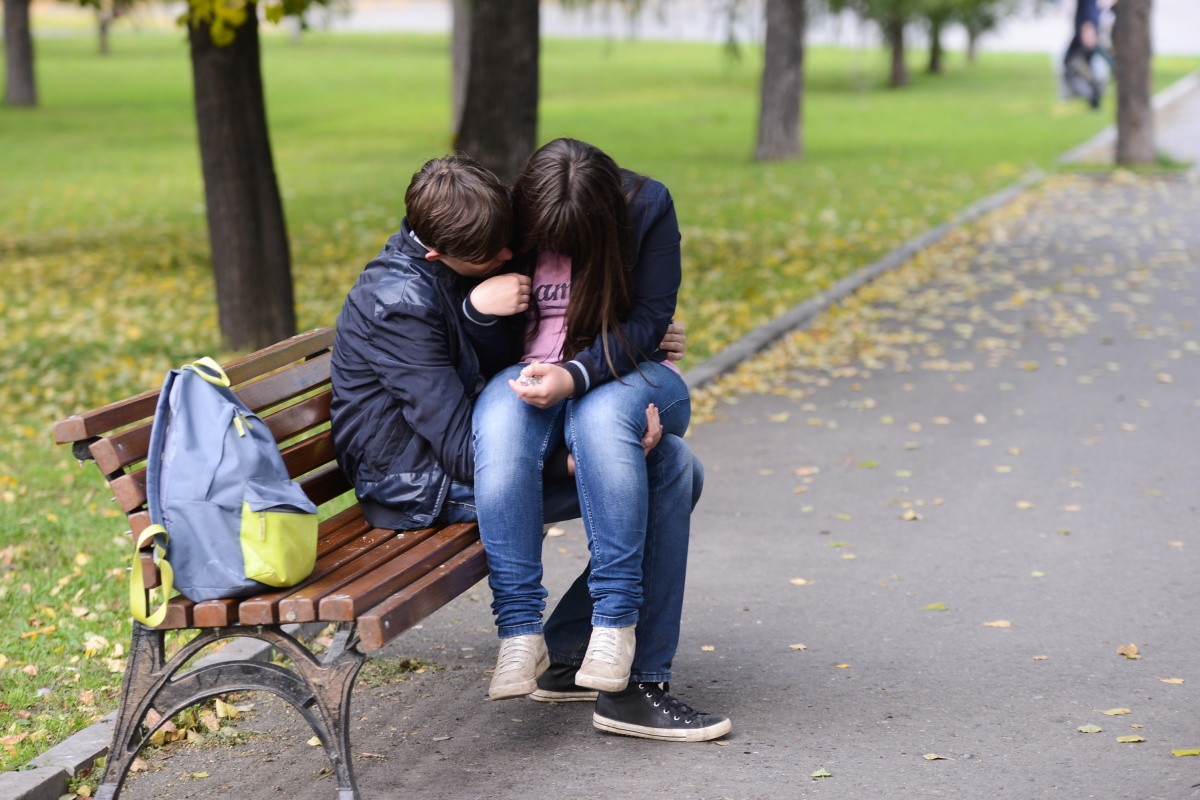 Секс с несовершенолетними мальчикоми и девочками не исполнилось