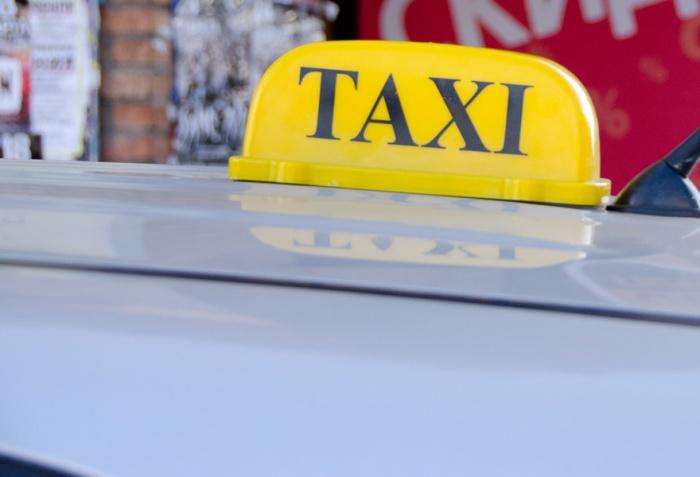 Новосибирец отправится в колонию строгого режима за угон машины такси