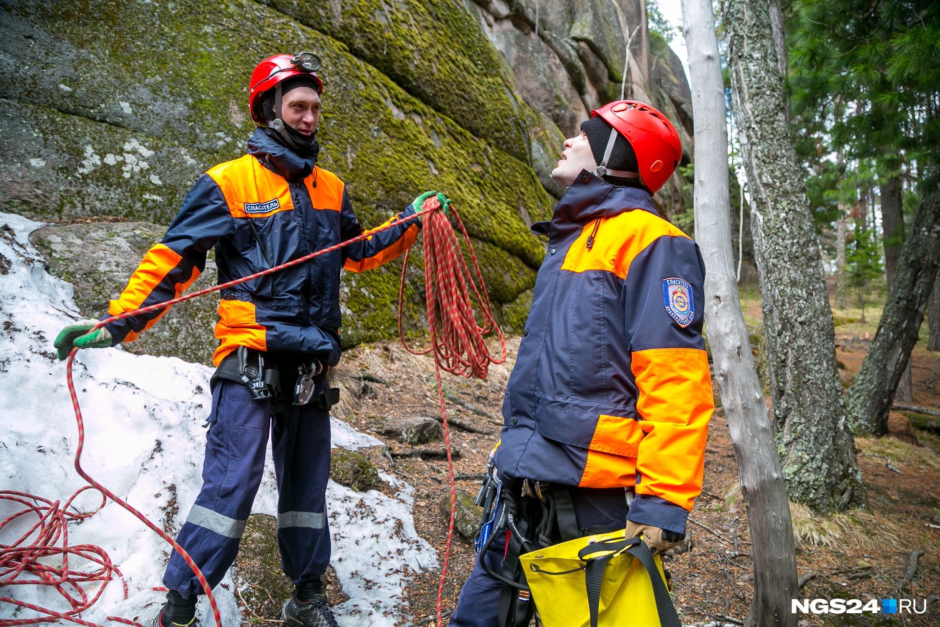 Работа на «Столбах» — лишь часть работы сотрудников отряда «Спасатель»