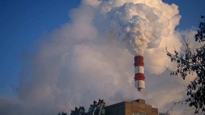 Лето близко: в Новосибирске начали остывать батареи