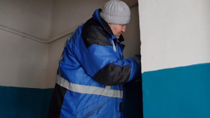 «Мы так совсем замерзнем»: в мороз газовики и УК оставили волгоградцев без горячей воды и пищи