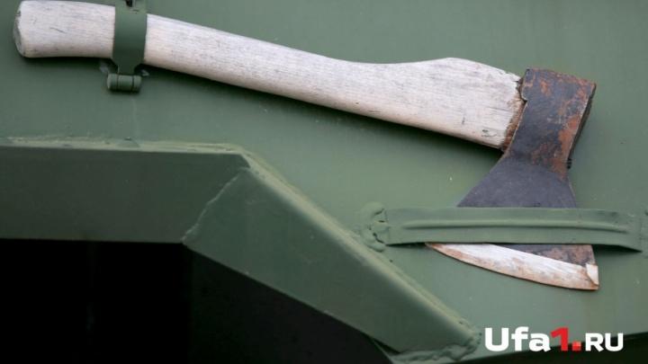 Житель Башкирии избил брата топором по голове