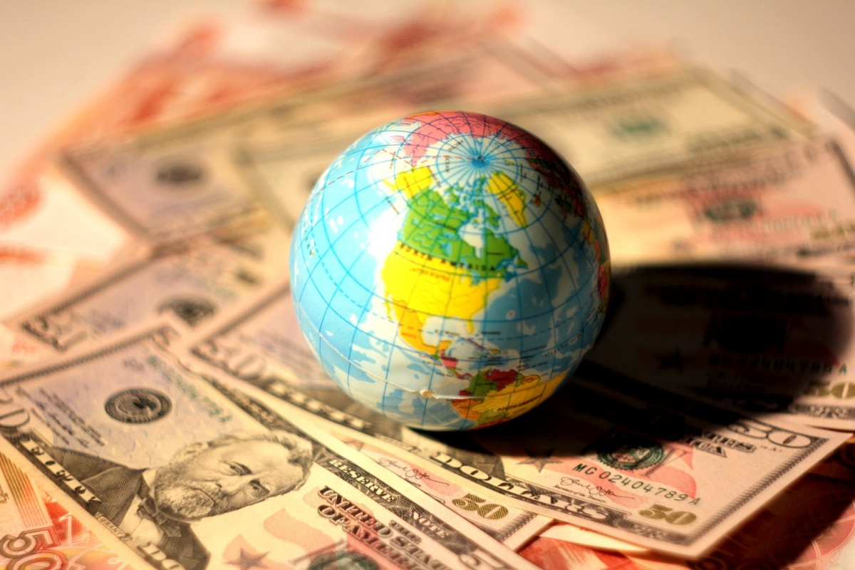 Выпуск «Евроторга» предвосхищает возвращение на российский облигационный рынок Белоруссии как суверенного заёмщика, открывает дверь для других эмитентов из СНГ