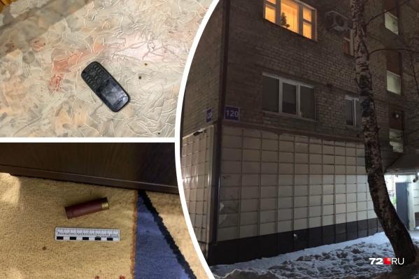 Трагедия произошла в ночь с 18 на 19 декабря в пятиэтажке на Семена Ремезова, 120