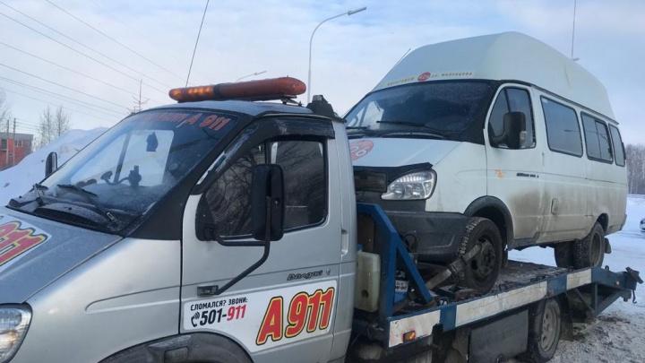 Омские автоинспекторы остановили маршрутку, за рулем которой был пьяный водитель