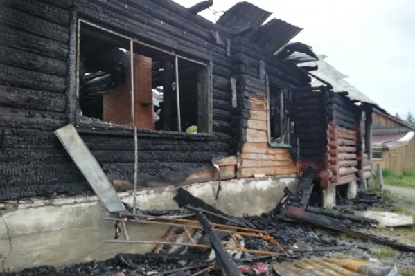 По предварительным данным, в дом попала молния